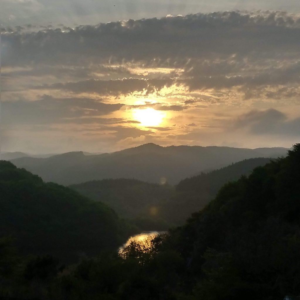 こやま湖の夕日